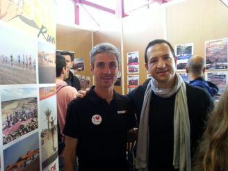 Martín Fiz se une al club de los que se han hecho una foto con Carlos